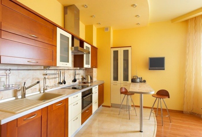 купить натяжной потолок на кухню на заказ в квартиру